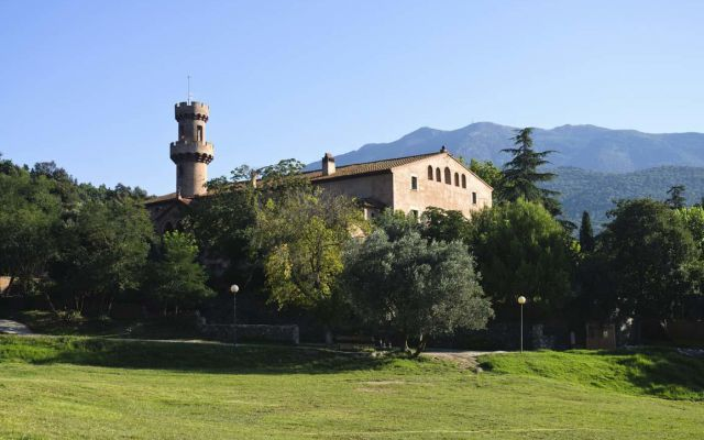 Casa de col nies castell de fluvia rosa dels vents - Apartamentos dv barcelona ...